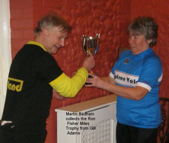 martin-badham-collects-the-ron-fisher-miles-trophy-from-gill-adams
